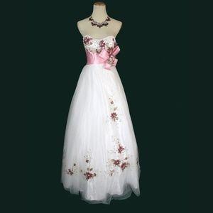 NWT TONY BOWLS White/Pink Bridal Bead Floral